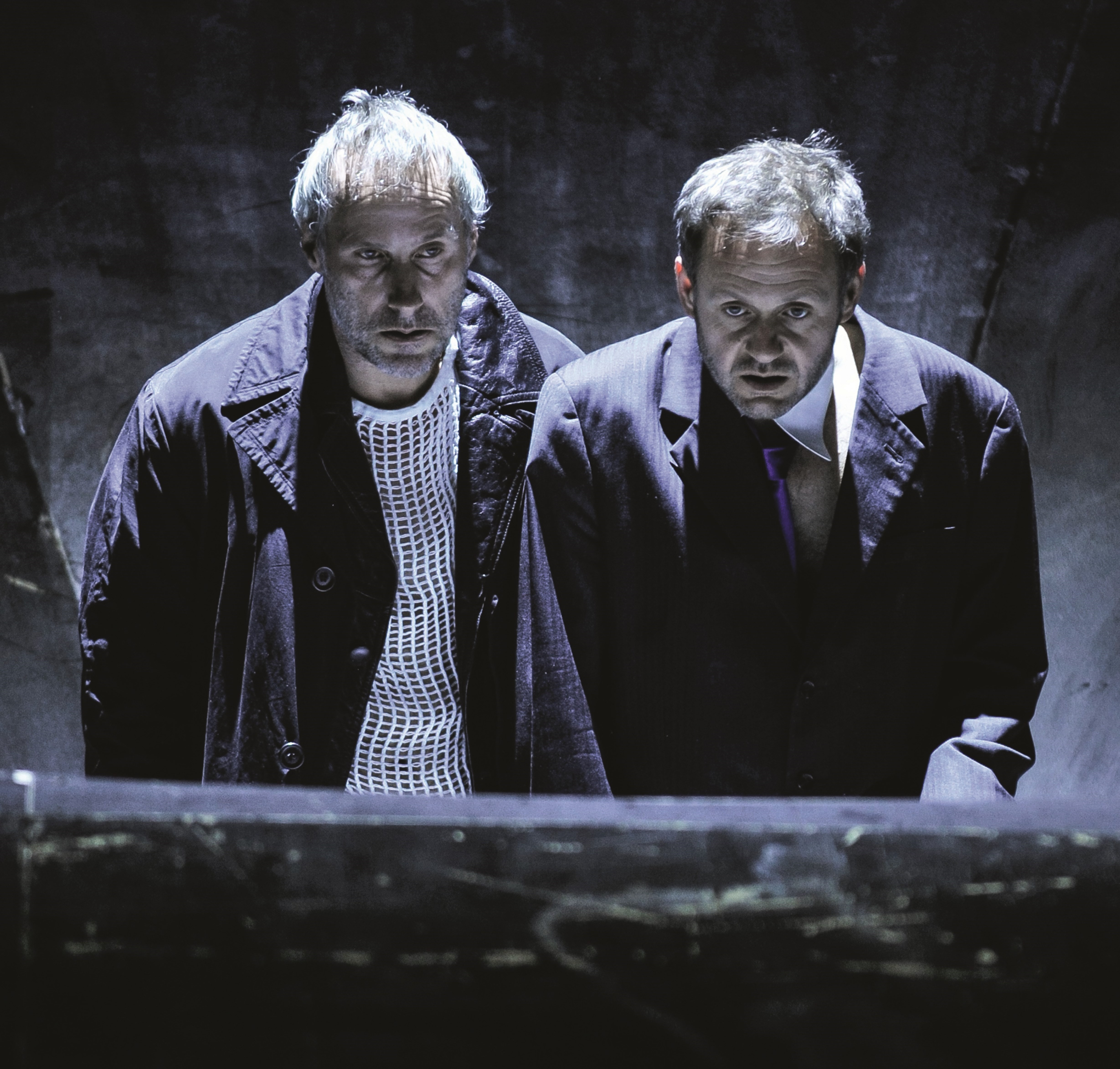 Warten auf Godot: Wolfram Koch (Estragon), Samuel Finzi (Wladimir) – Foto: Arno Declair