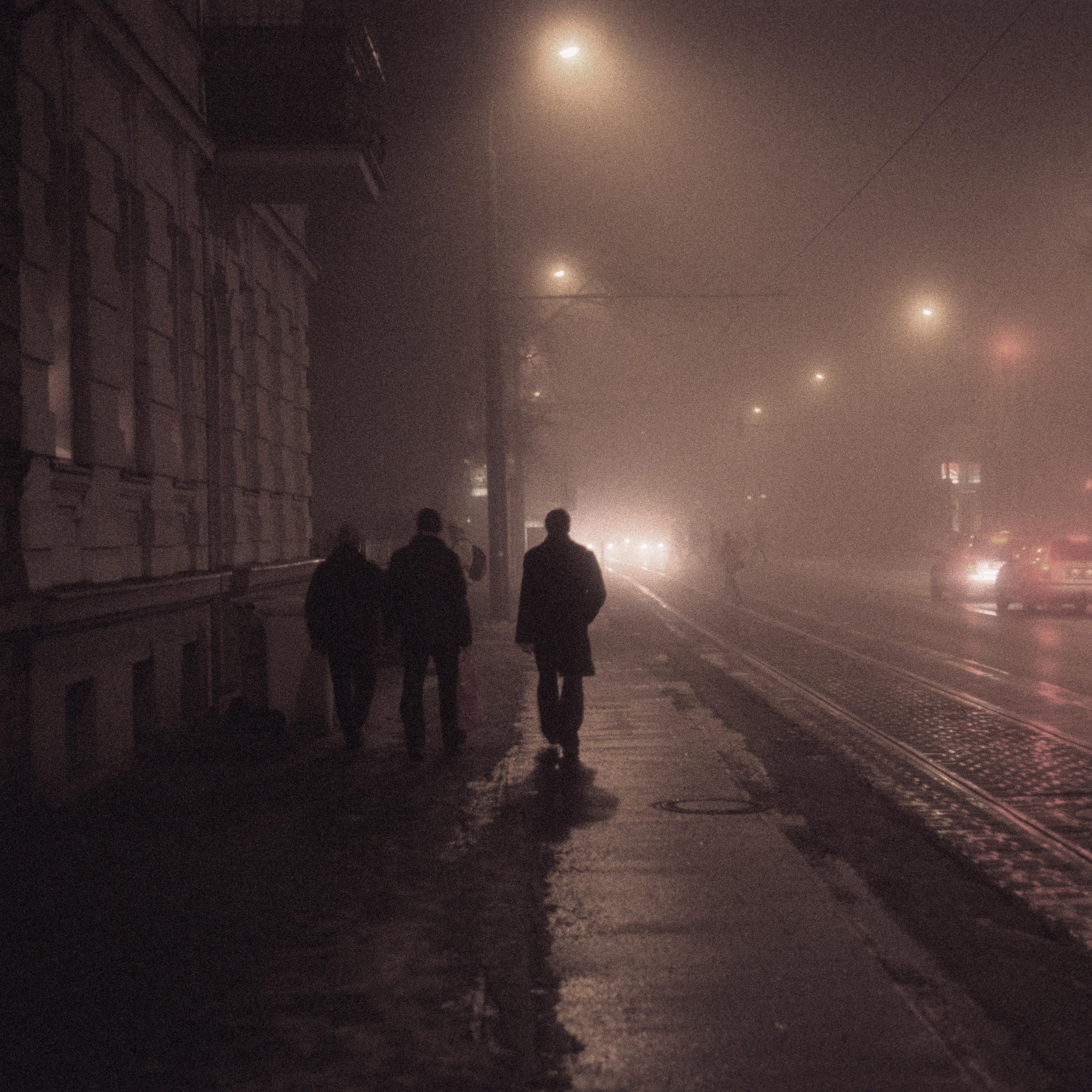 Tristesse Royale: Der Winter in der Hauptstadt ist melancholischer als anderswo. Die Bands Isolation Berlin und Milliarden liefern die Begleitmusik. Foto: nurmalso/photocase.de