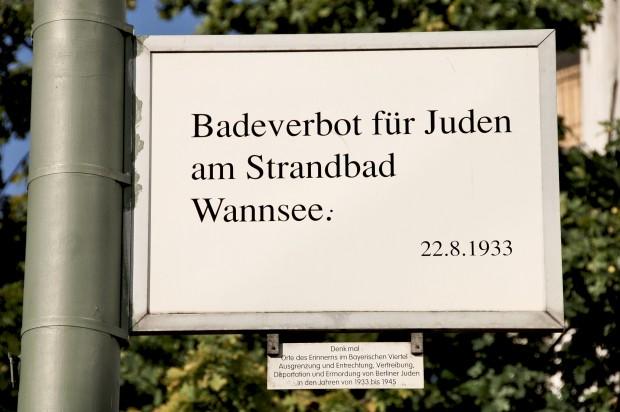 z_05_0816_MMOORE_maxsize_394fefd2421f1c3a7b27f0a40a6f03d8_orte_des_erinnerns_badeverbot_text_c_BA_Tempelhof_Schoeneberg Kopie