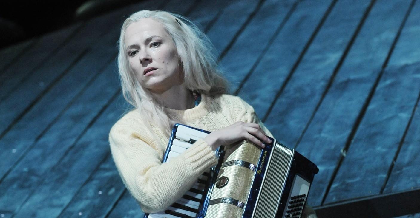 Musikalische Solvejg: Franziska Melzer – Foto: HL Böhme