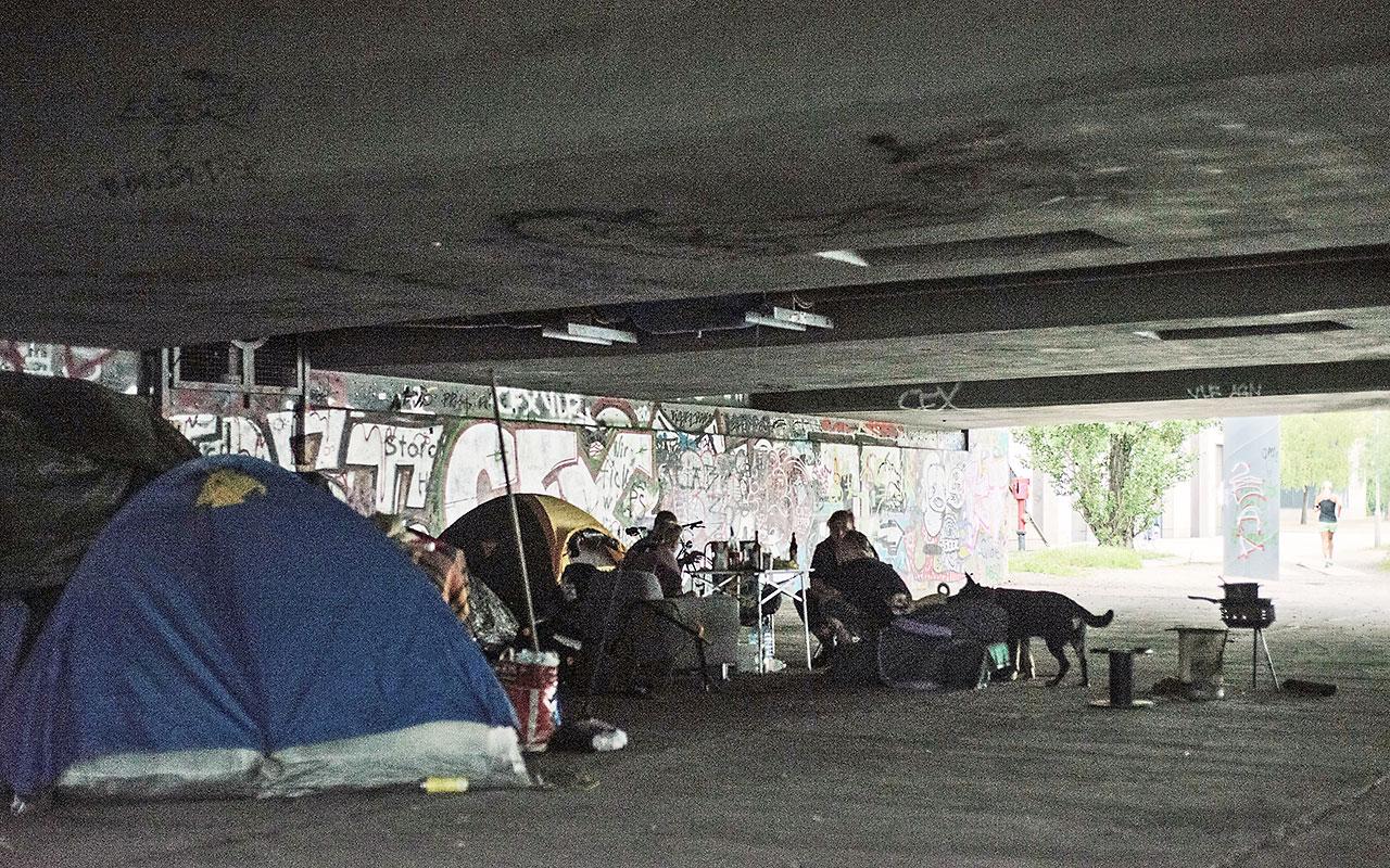 obdachlosenlager in berlin zitty. Black Bedroom Furniture Sets. Home Design Ideas