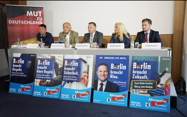 Pressetermin, Wahlkampfstart AfD in Berlin GER, Berlin, 20160728, Alternative f¸r Deutschland, Landtagswahlen, mit Spitzenkandidat Georg Pazderski, Roland Gl‰ser, Hans-Joachim Berg, Kirstin Brinker und Frank Hansel Press call AFD in Berlin ger Berlin Alternative for Germany State elections with Top candidate Georg Pazderski Roland Glasses Hans Joachim mountain Kirstin Brinker and Frank HanselFoto: imago / Gerhard Leber