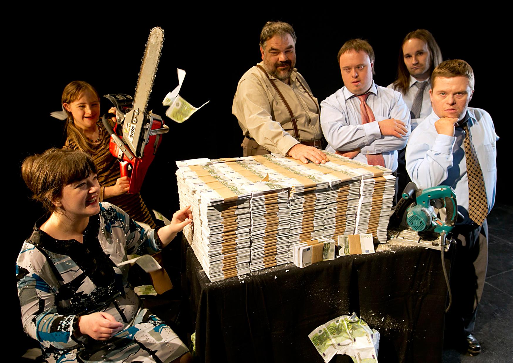 25 Jahre Theater Thikwa: Das Thikwa-Ensemble feiert seine Erfolgsgeschichte - Foto: David Baltzer/bildbuehne.de