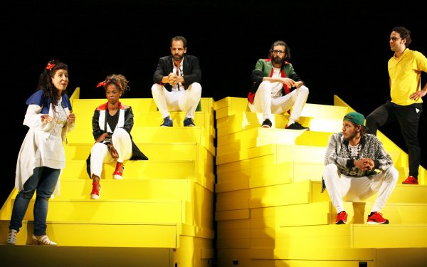 "Gorki-Erfolgsproduktion ""The Situation"": Maryam Abu Khaled (2.v.l.), Ayham Majid Agha (3.v.r.) und Karim Daoud (2.v.r.) wechseln ins Exil Ensemble - Foto: Ute Langkafel/Maifoto"