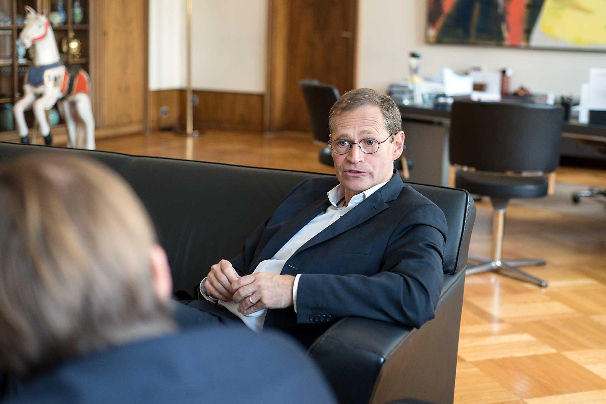 Berlins Regierender Bürgermeister im InterviewFoto: F. Anthea Schaap