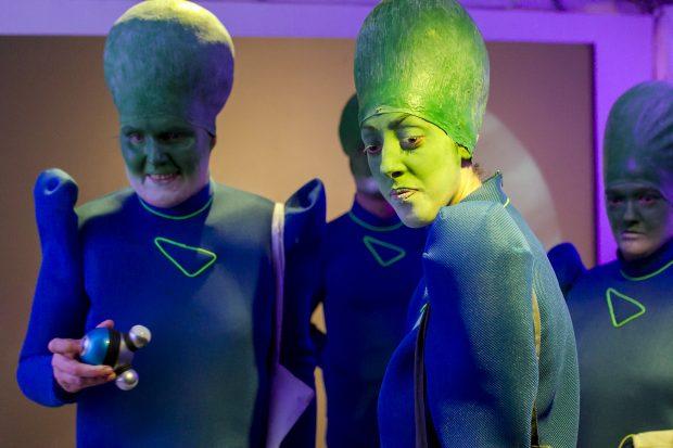 Inklusion gilt auch für Außerirdische – Foto: David Baltzer / bildbuehne.de
