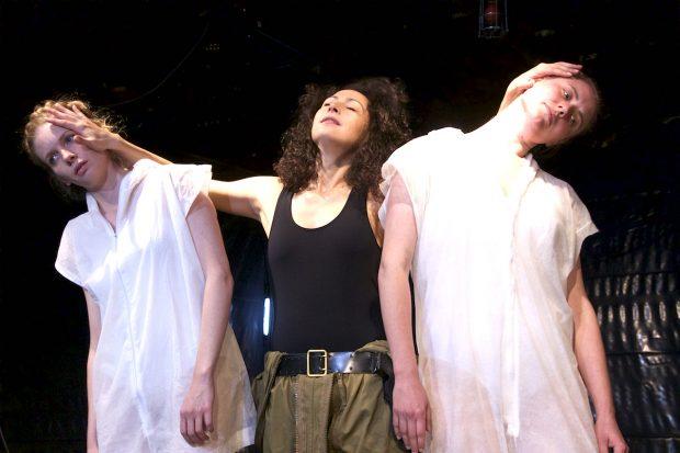 Wilde Thesen: Ina Jaich, Alina Rank, Sina Ebell – Foto: M. Luxinger