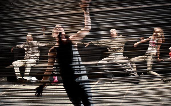 """Platz zwei teilen sich """"2 Uhr 14"""" vom Jungen DT ...  – Foto: Arno Declair aus dem Frankokanadischen von Frank Weigand Regie: Kristo Šagor Ausstattung: Iris Kraft Musik: Sebastian Katzer Dramaturgie: Anne Tippelhoffer Copyright Arno Declair    arno@iworld.de Birkenstr.13b     10559 Berlintel     +49 (0) 30 695 287 62 mobil  +49 (0)172 400 85 84Konto 600065 208 Blz 20010020    Postbank Hamburg IBAN/BIC: DE70 2001 0020 0600 0652 08 / PBNKDEFFVeröffentlichung honorarpflichtig! Mehrwertsteuerpflichtig 7 %   USt-ID Nr. DE118970763 St.Nr. 34/257/00024       FA Berlin Mitte/Tiergarten"""