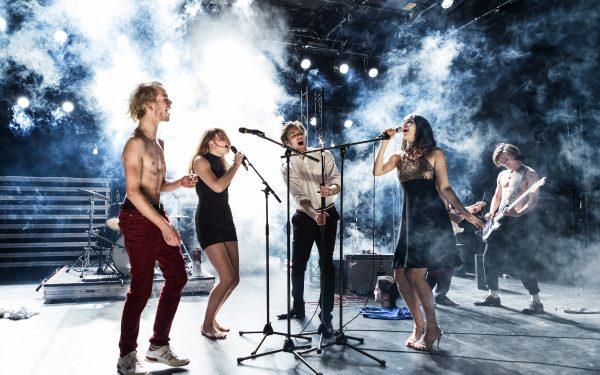 Rock die Revolution: Daniel Mühe, Monika Freinberger, Lukas T. Sperber, Lola Fuchs, Gustav Schmidt – Foto: Gianmarco Bresadola