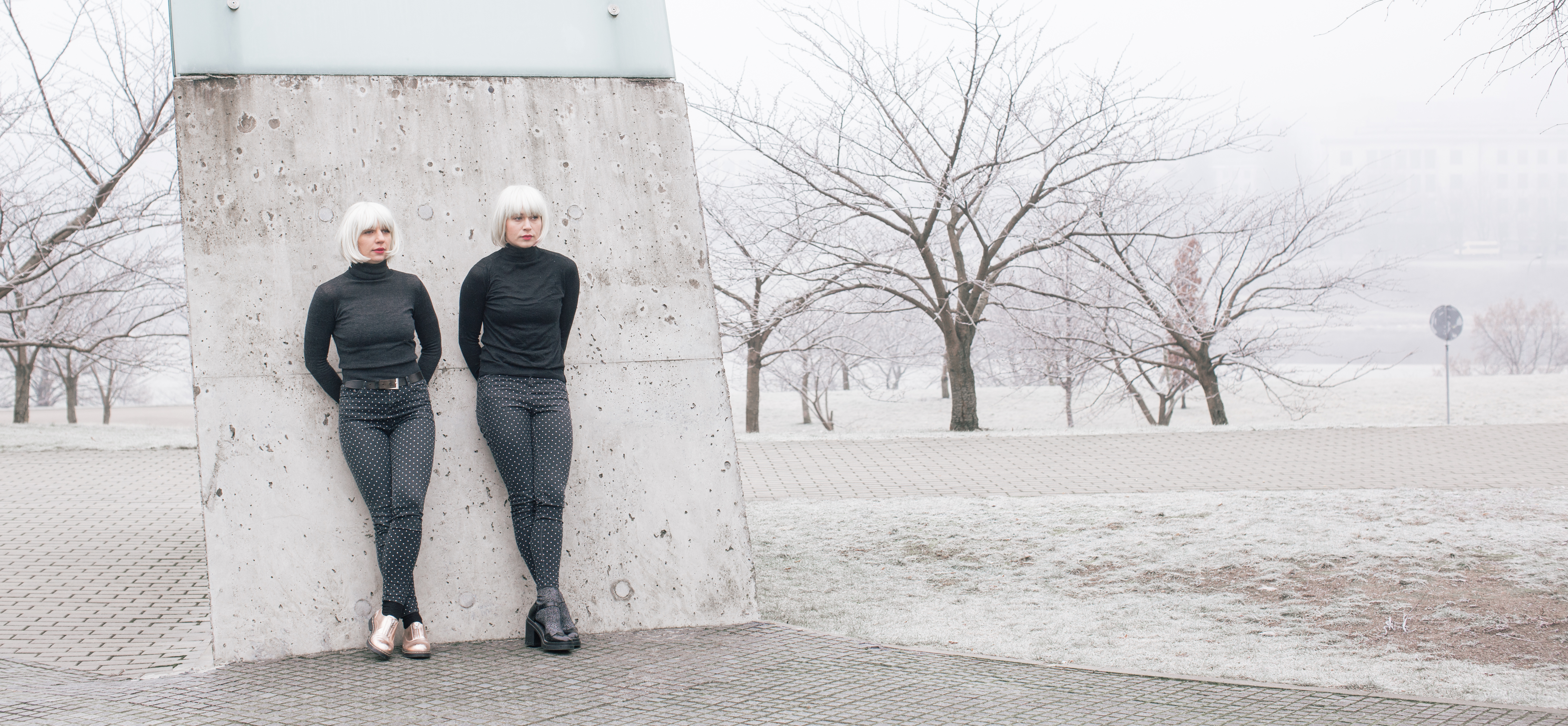 """Blues in Blond: Die Tänzerinnen Greta Grinevičiūtė und Agnietė Lisičkinaitė in """"B&B Dialogue"""" – Foto: Alvaro Hernandez"""
