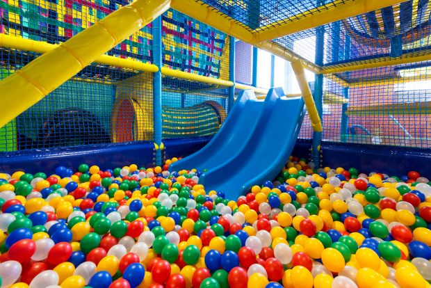 In Berlin gibt es in vielen Stadtteilen Indoor-Spielplätze zum Herumtoben.Foto: © scaliger – Fotolia.com (#63256061