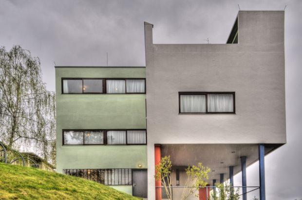 Die berühmte Weissenhofsiedlung in Stuttgart – 1927 vom Deutschen Werkbund errichtet – ist Vorbild für das neue Wohnbauprojekt WerkBundStadt Berlin am Spreeufer im Norden der Stadt.    Bild: Fotolia, © crimson