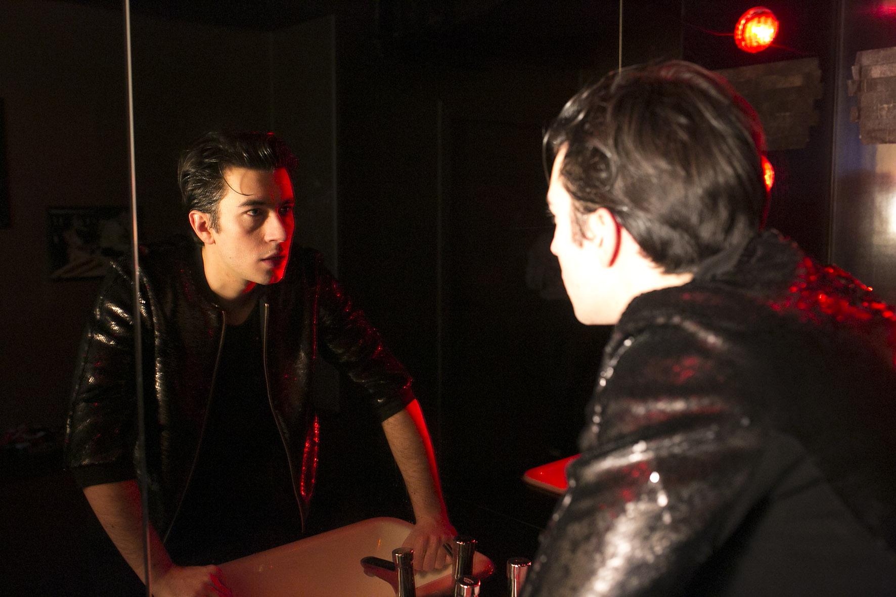 Davide Brizzi spielt Nasser – Foto: David Baltzer