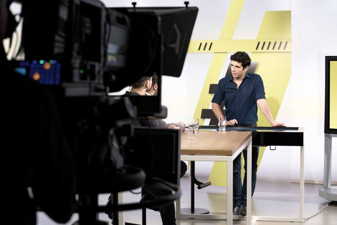 Jaafar Abdul Karim ist in seiner Sendung der DompteurFoto: Markus Altmann