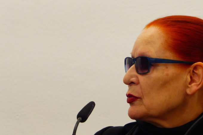 Katharina Sieverding, Trägerin des Käthe-Kollwitz-Preises 2017, während der Pressekonferenz am 11.7. 2017 in der Akademie der Künste. Foto: ZITTY
