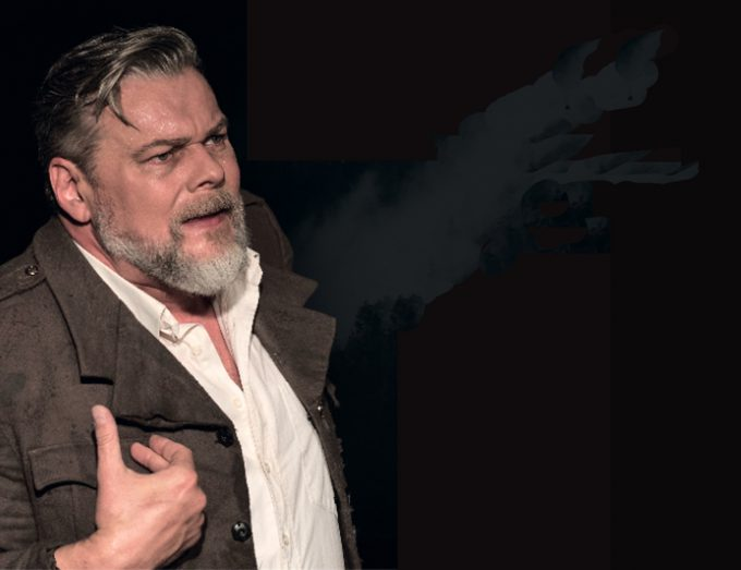 Theaterkapitän: Torsten Münchow als Hemingway – Foto: TAKBerlin