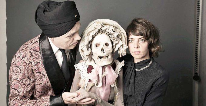Täuschungskünstler: Manuel Muerte und Suse Wächter - Foto: Birgit Kaulfuß