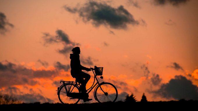Abbildung 1: Fahrradfahren schont die Umwelt, ist gesund und kann mit dem passenden Equipment so viel Spaß machen.Foto:: pixabay.com © renategranade0 (Creative Commons CC0)