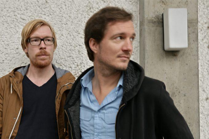 Dem Klang auf der Spur sind Regisseur Daniel Kötter (re.) und Komponist Hannes Seidl – Foto: Rahel Kesselring