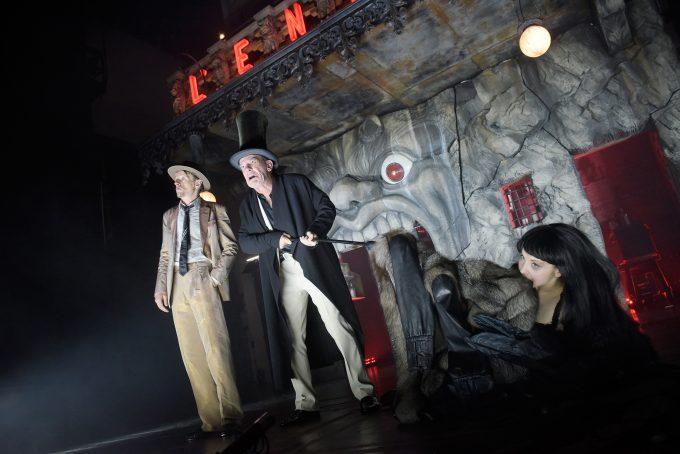 """Dreamteam: Alexander Scheer, Martin Wuttke und Valery Tscheplanowa in Frank Castorfs """"Faust"""" – Foto: Thomas Aurin"""