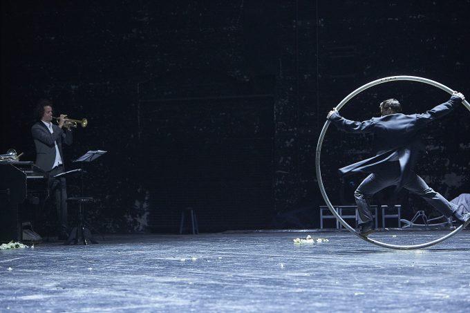 Kunstvoll gedacht: Akrobaten und Actricen – Foto: Matthias Horn