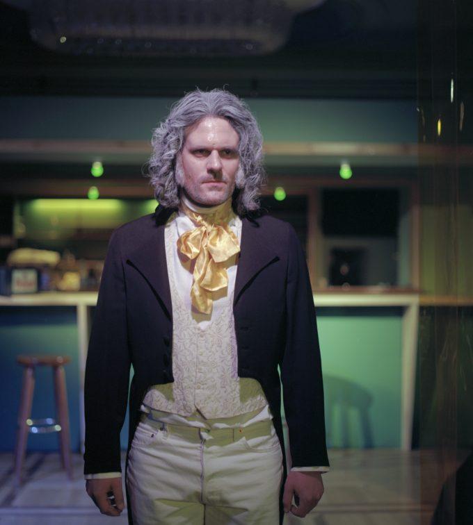 Tobias Spichtig als Karl Friedrich Schinkel – Foto: Calla Henkel/Max Pitegoff