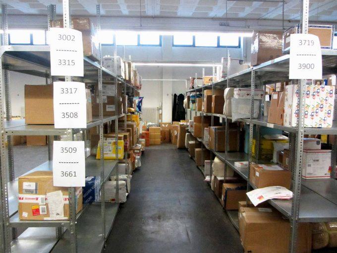 2016 landeten 68.000 Pakete im Zollamt SchönebergFoto: Xenia Balzereit