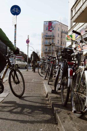 Fahrradweg am Hermannplatz