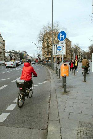 Radweg am Kaiser-Wilhelm-Platz in Schöneberg