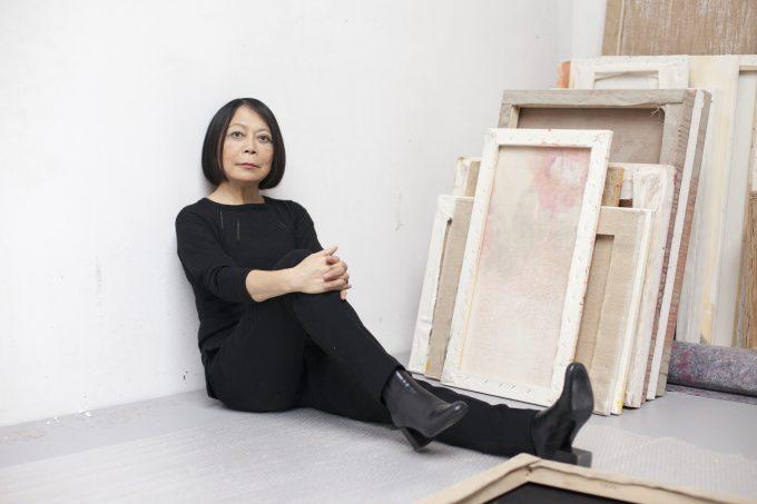 Leiko Ikemura in ihrem Berliner Atelier. Foto: Patricia Schichl