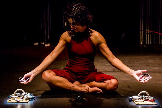 Luftartistin und Tänzerin: Rosiris Garrido - Foto; Raffael Biss
