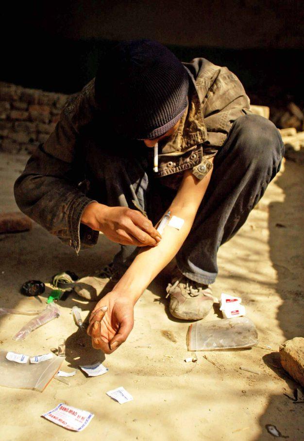 """Der kalte Entzug ist eine Qual:  """"Klauen, das Geklaute verkaufen. Dann zum Dealer. Es ist ein Teufelskreis""""Foto: Xinhua / imago"""