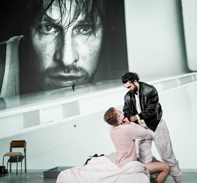 Sex und Gewalt: Gawenda (im Video), Laufenberg, Schuch – Foto: Arno Declair