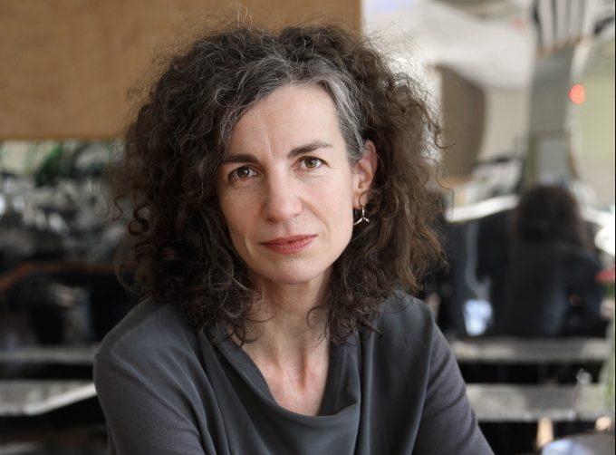 Die 1966 geborene Belgierin Annemie Vanackere leitet seit  2012 das Theaterkombinat HAU – Foto: Dorothea Tuch