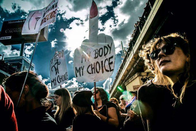 Auch in Berlin gingen Tausende gegen die geplante Verschärfung des polnischen Abtreibungsgesetzes auf die StraßeFoto: Oliver Feldhaus