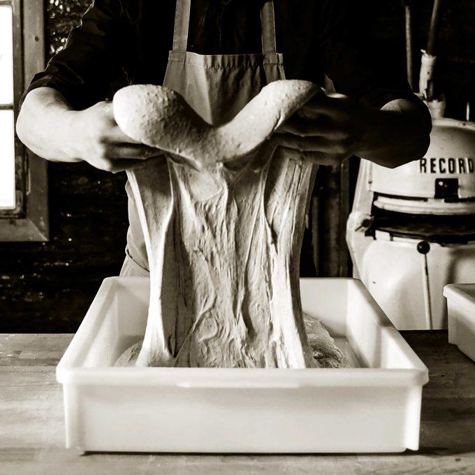 Gut Brot will Weile haben: Handarbeit in der BackpfeifeFoto: Silber & Salz