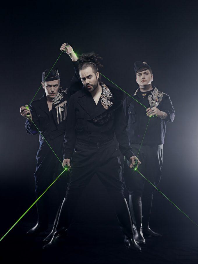 Laser, Multi-Media-Screen und Clownerie: der schwedische  Sirqus Alfon – Foto: Klara Granberg