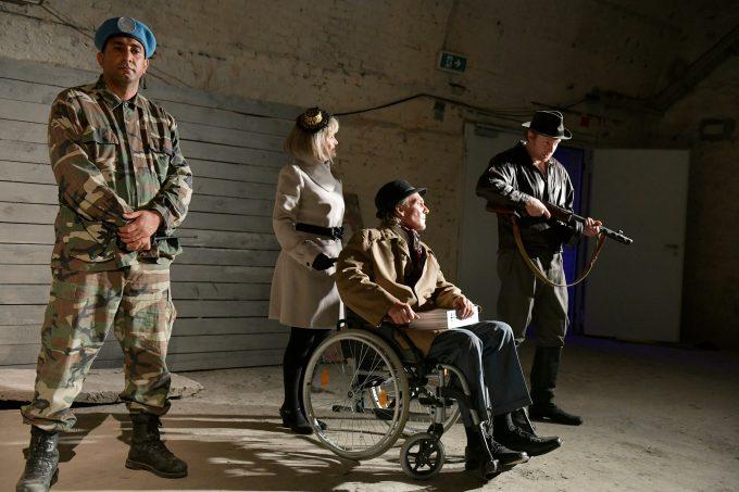 Waffenproduzenten im Untergrund: Gefängnistheater aufBruch – Foto: Thomas Aurin