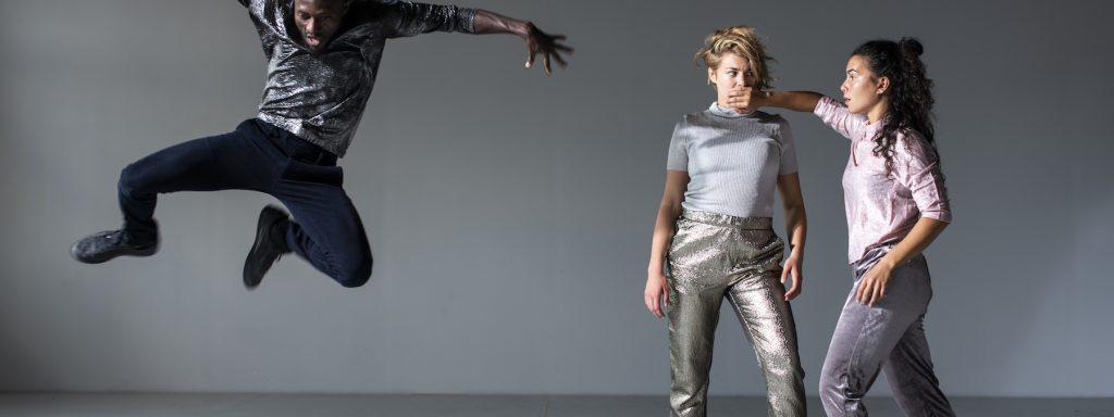 """Christoph Winkler meint choreografisch """"Shut up and dance"""" – Foto: René Lîffler"""