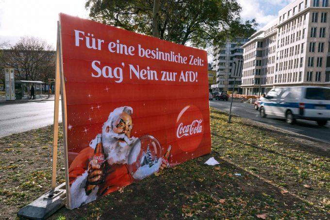 Anti-AfD-Reklame mit Wiedererkennungswert: Das Kollektiv Modus drängt zur Positionierung Foto: Markus Heine / imago