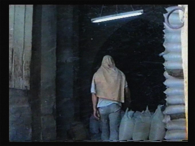 Ammar al-Beik, Light Harvest, 1997, Film, 3 min. © Ammar al-Beik