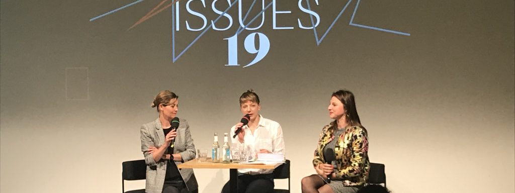 Machen sich stark für Gendergerechtigkeit am Theater: Nicola Bramkamp, Yvonne Büdenhölzer, Lisa Jopt (v.l.n.r.) – Foto: Berliner Festspiele