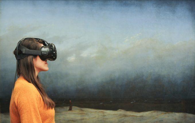 Wir sehen nicht, was diese junge Dame sieht, aber das steht ja im Text © Andres Kilger/ Nationalgalerie/ SMB