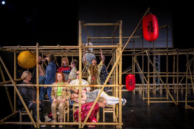 Im Bambuskonstrukt:  China ist überall – Foto: André Leander Bertholdt