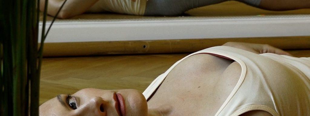 Dialog mit dem Publikum: Heather Green als Salome –  Foto: Fritz Polzer / People in rooms feeling things