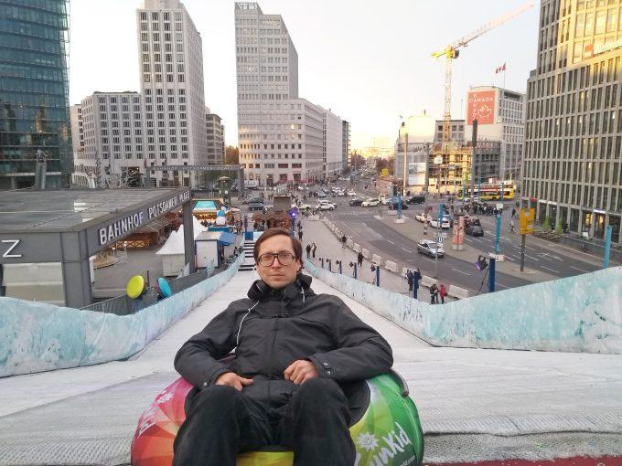 Rodeln am Potsdamer Platz 2019 Martin Schwarzbeck  zitty2419