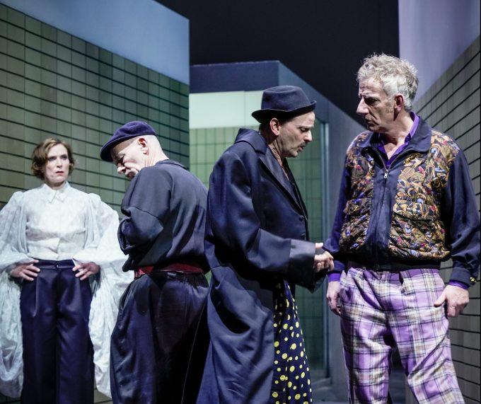 Spielräume denken: Spielräume denken: Judith Hofmann, Martin Wuttke, Milan Peschel, Bernd Moss – Foto: Arno Declair