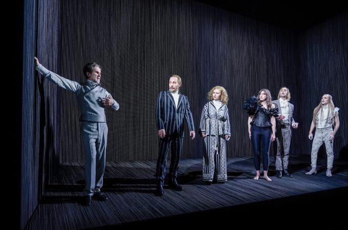 """Anna Lenks DT-Inszenierung """"Der Menschenfeind"""" hat es aufs Theatertreffen geschafft – Foto: Arno Declair"""