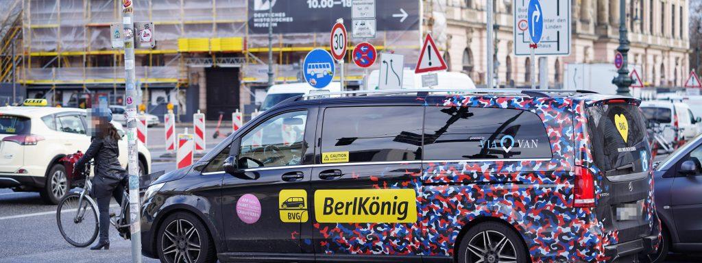 28.01.2020,Berlin,Deutschland,GER,BerlKönig, BVG, ViaVan,gesehen Unter den Linden,Mercedes-Benz, *** 28 01 2020,Berlin,Germany,GER,BerlKönig, BVG, ViaVan,seen Unter den Linden,Mercedes Benz,
