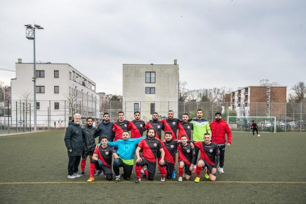 Im Kreisliga-Verein FC Karama spielen fast nur syrische Fußballer. Eine Erfolgsgeschichte. Foto:F. Anthea Schaap